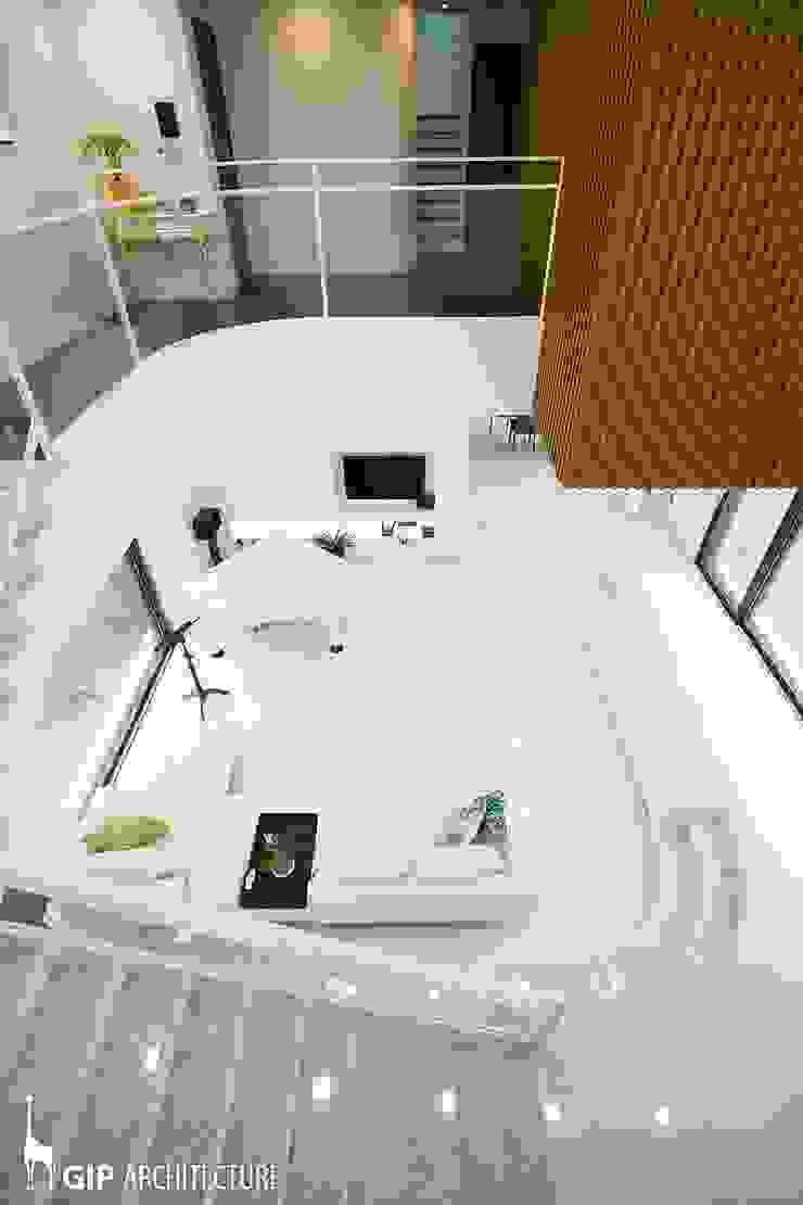 Salas de estilo moderno de GIP Moderno