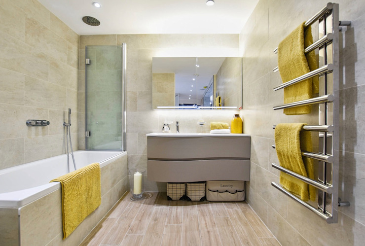 Brentford Showroom, TW8:  Bathroom by BathroomsByDesign Retail Ltd,