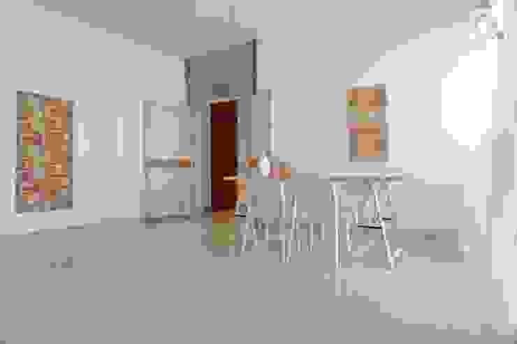 Charming Home 现代客厅設計點子、靈感 & 圖片