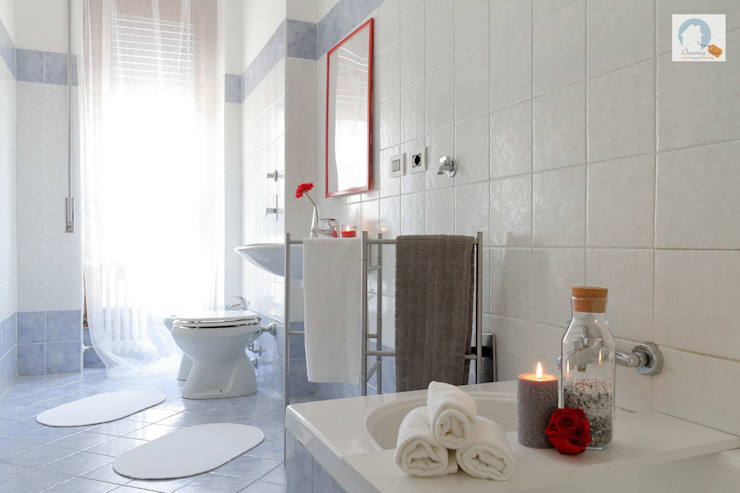 Charming Home 現代浴室設計點子、靈感&圖片