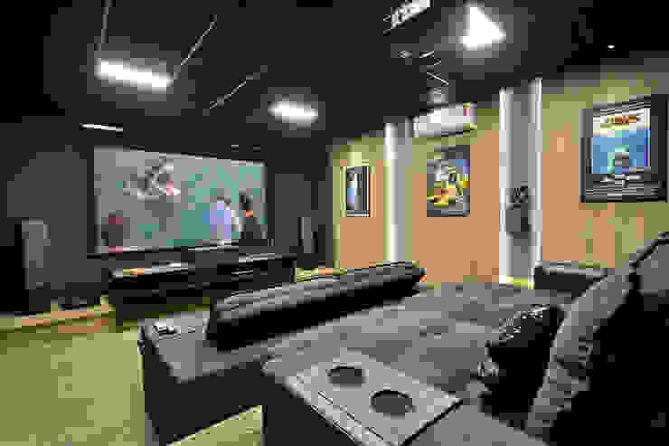 Sala de cinema Marcelo Minuscoli - Projetos Personalizados Eletrônicos