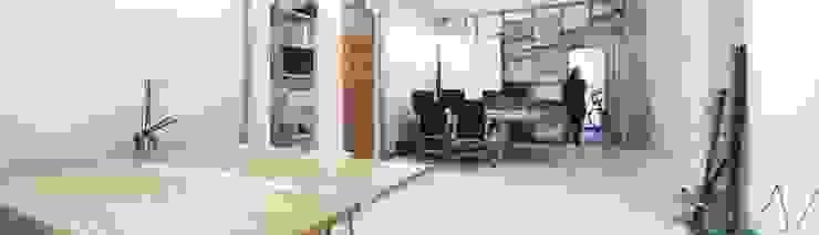 Eseiesa Arquitectos Mediterranean style study/office