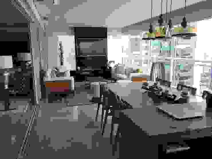 Modern balcony, veranda & terrace by cinehome Audio video e Automação Modern