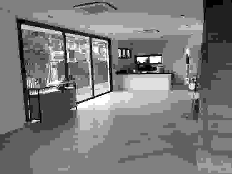 บ้านคุณเอกเมธ พระราม2 โดย Dersyn Studio Co.,Ltd.