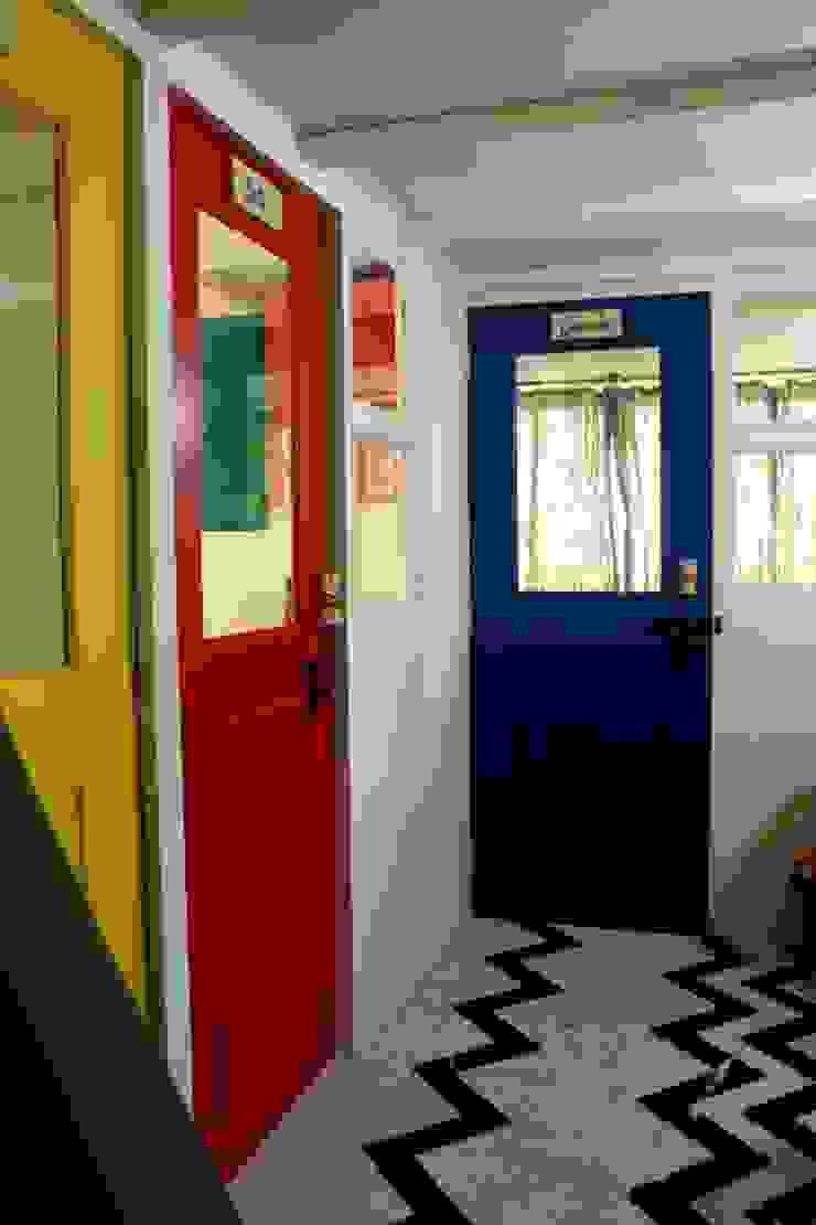 Dezinebox Espacios comerciales Multicolor