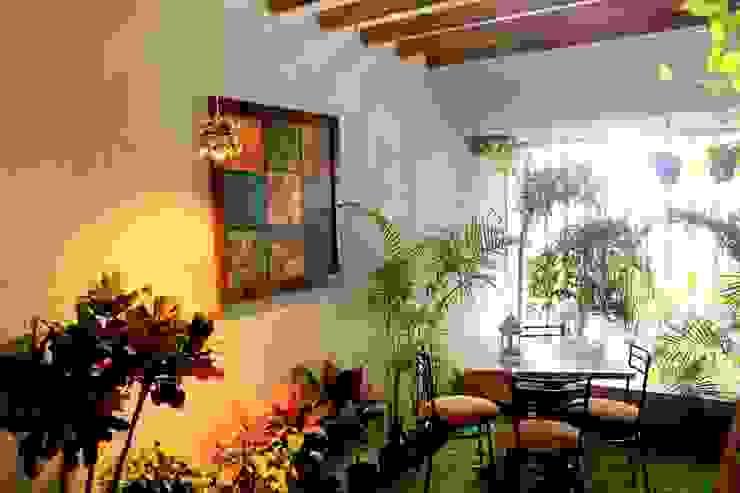 Dezinebox Jardines de estilo moderno