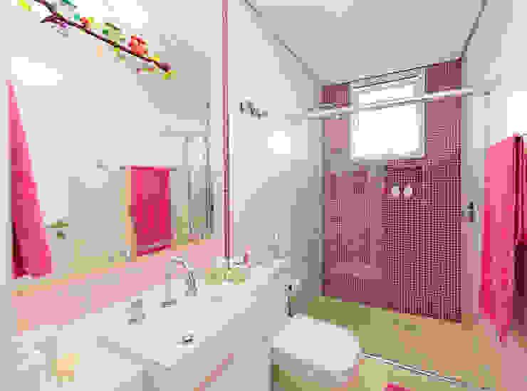 +2 Arquitetura Modern bathroom Tiles Pink
