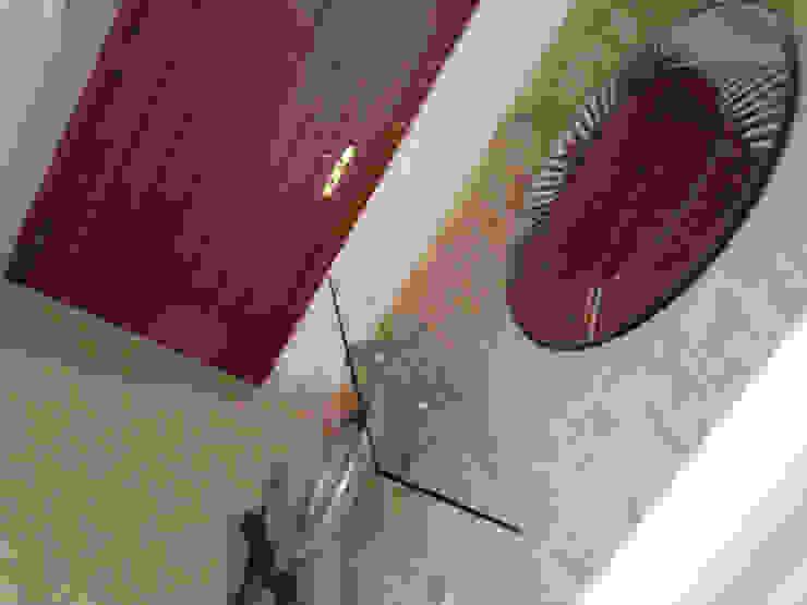 Entrada Cristina Lobo Vestíbulos, pasillos y escalerasCómodas y estanterías
