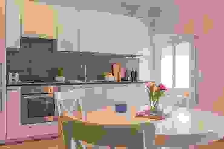 Anna Leone Architetto Home Stager Minimalist kitchen