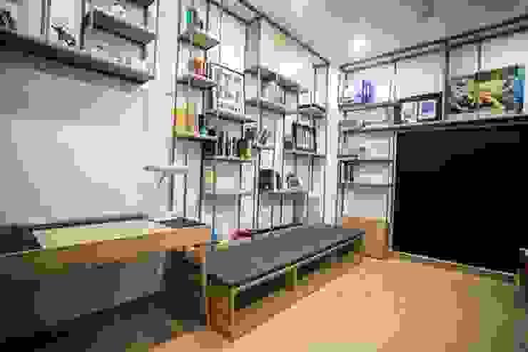 Không gian tầng 3 – nơi sinh hoạt vui chơi lý tưởng Phòng học/văn phòng phong cách hiện đại bởi Công ty TNHH Xây Dựng TM – DV Song Phát Hiện đại