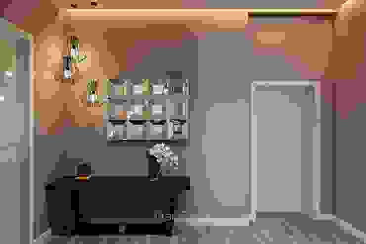 Koridor & Tangga Modern Oleh GraniStudio Modern