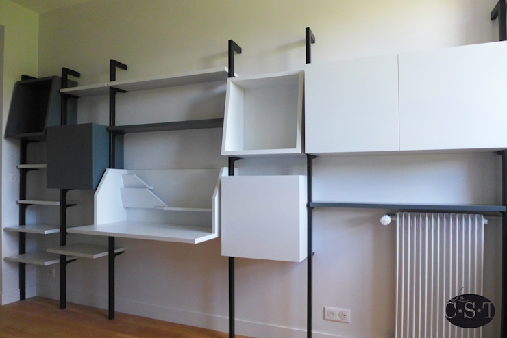 Ruang Studi/Kantor Modern Oleh La C.S.T Modern