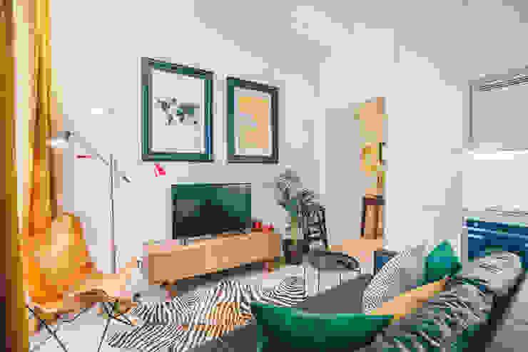 Móvel TV Salas de estar tropicais por YS PROJECT DESIGN Tropical