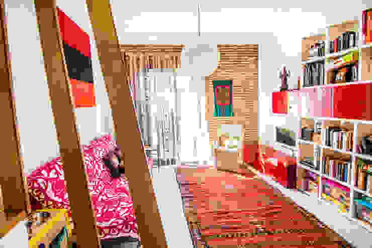 Mi Casa Las Casas de Iridella Salones de estilo moderno
