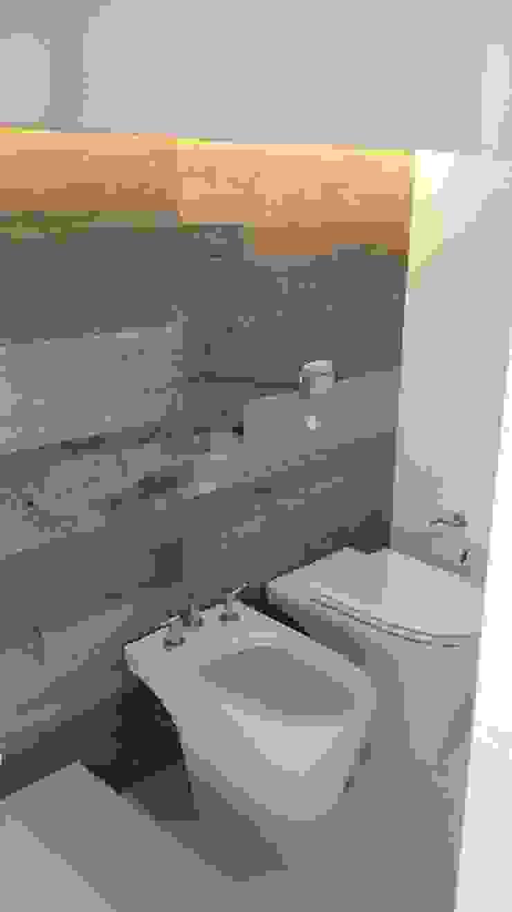 Baño Secotrizado Baños de estilo moderno de Estudio A+I Moderno