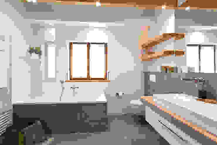 Baños rústicos de Banovo GmbH Rústico