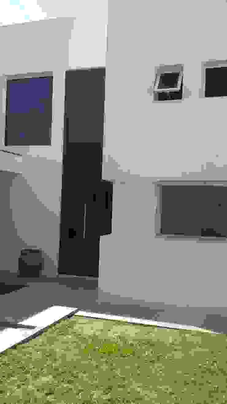 Fachada - Ingreso de Estudio A+I Moderno Vidrio