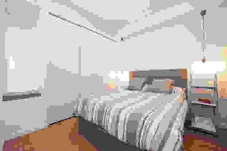 Armario empotrado lacado en blanco Sincro DormitoriosArmarios y cómodas Madera Blanco