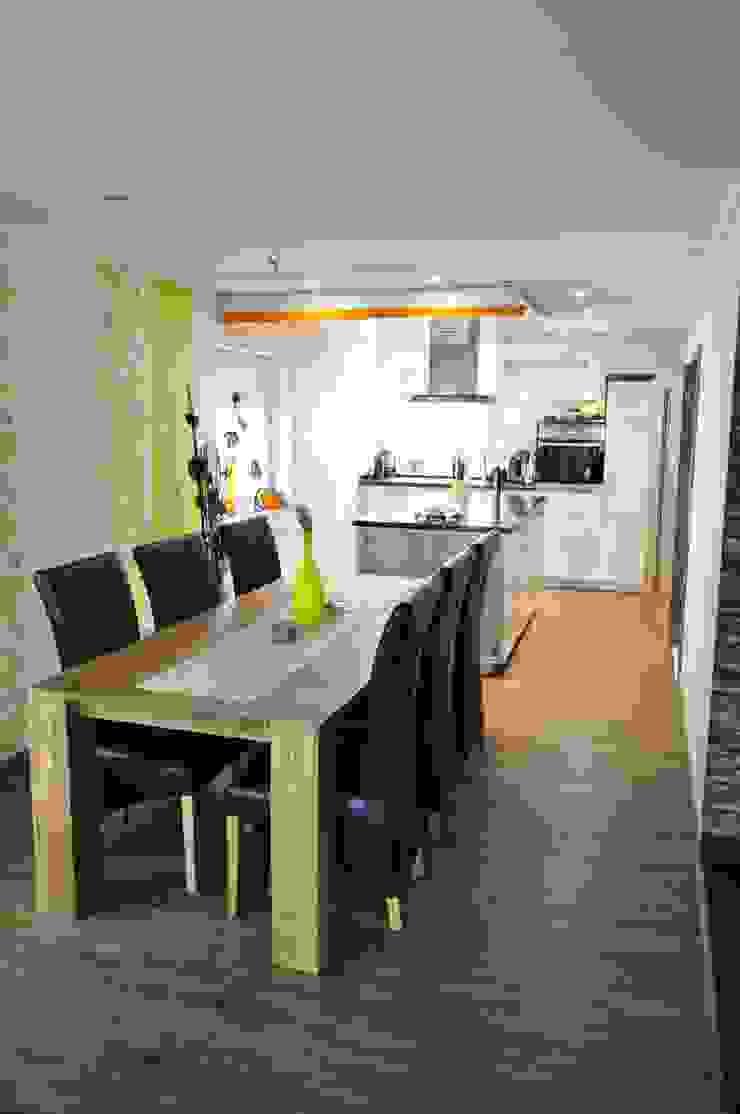 copado GmbH 現代廚房設計點子、靈感&圖片 木頭