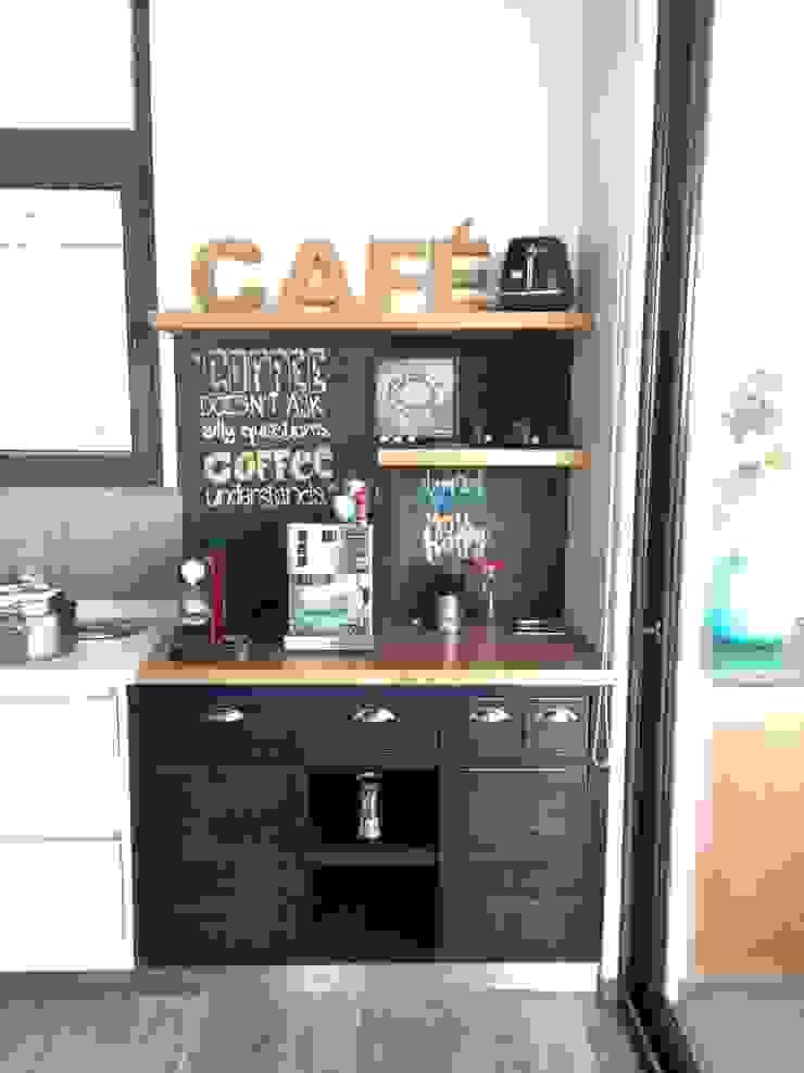 COCINA MUEBLE PARA CAFE de PICHARA + RIOS arquitectos Ecléctico Madera Acabado en madera