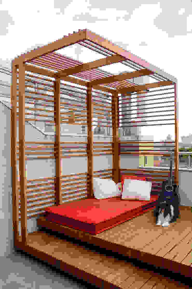 Balkon, Beranda & Teras Gaya Eklektik Oleh Bloco Z Arquitetura Eklektik