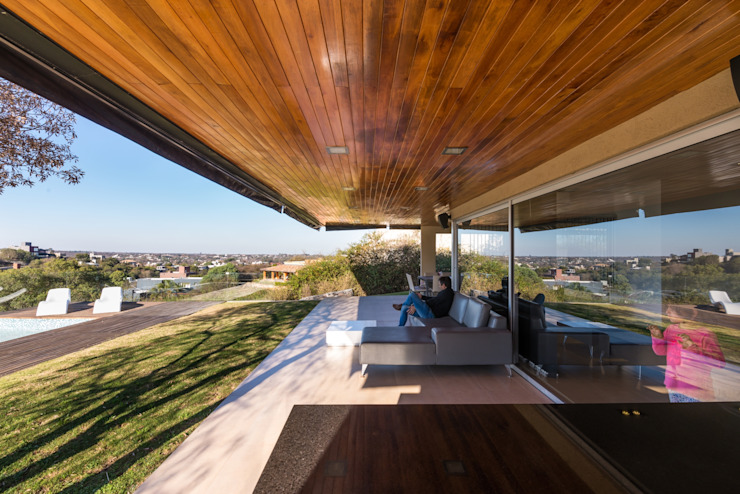 Modern style balcony, porch & terrace by SCHLATTER arquitectura y diseño Modern