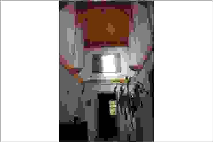SCHOß INGENIEUR GmbH Rustic style corridor, hallway & stairs
