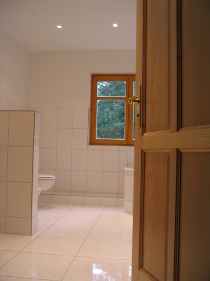 SCHOß INGENIEUR GmbH Classic style bathroom