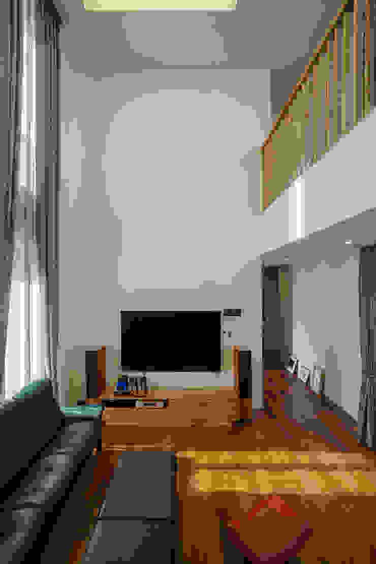 Modern living room by 위즈스케일디자인 Modern Wood Wood effect