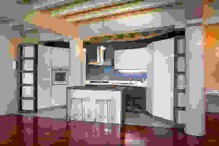 廚房 by Fab Arredamenti su Misura, 現代風