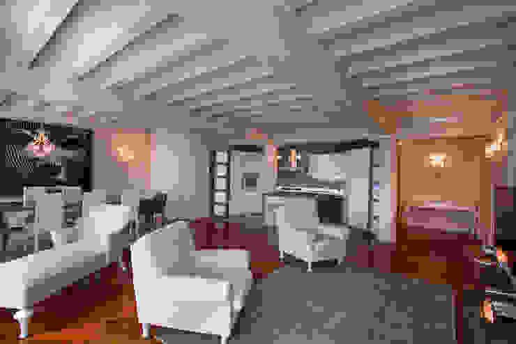 Modern living room by Fab Arredamenti su Misura Modern