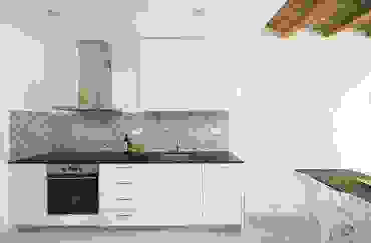 Mediterranean style kitchen by Gramil Interiorismo II - Decoradores y diseñadores de interiores Mediterranean