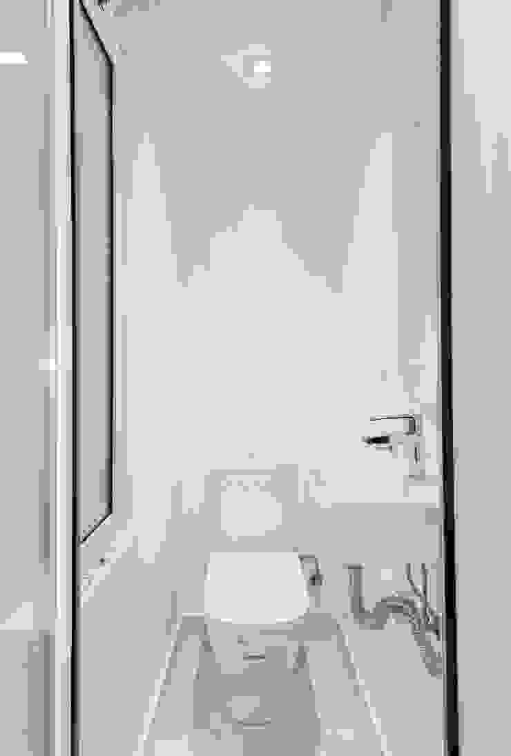 Mediterranean style bathroom by Gramil Interiorismo II - Decoradores y diseñadores de interiores Mediterranean