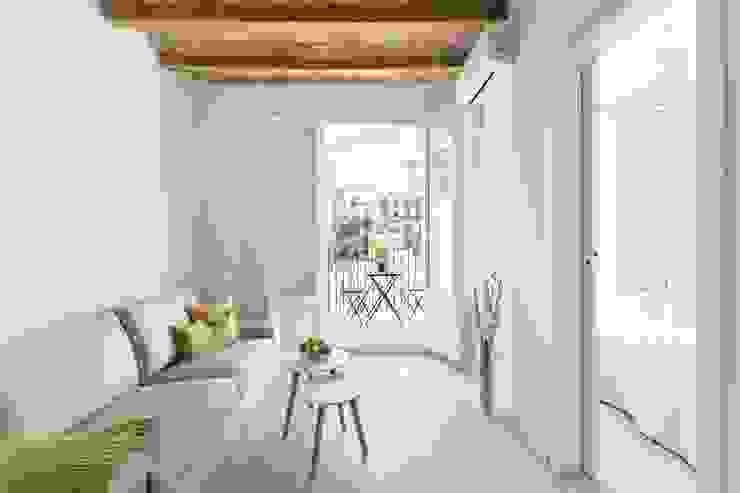 Mediterranean style living room by Gramil Interiorismo II - Decoradores y diseñadores de interiores Mediterranean