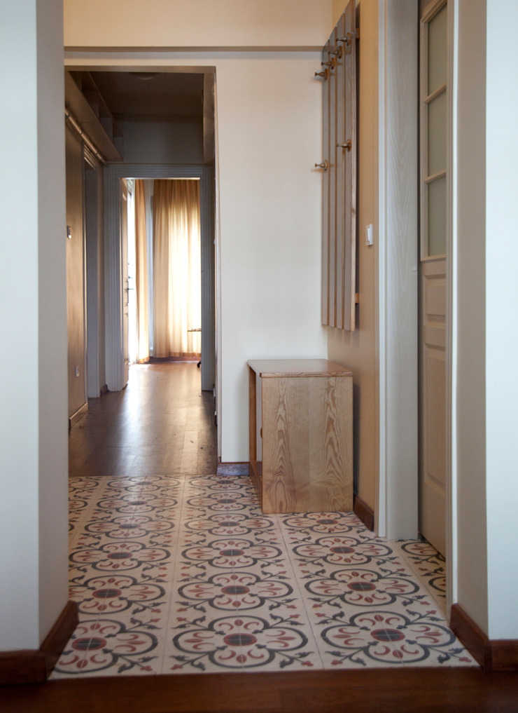 Rustic style corridor, hallway & stairs by Baki & Başaran İç Mimarlık Rustic