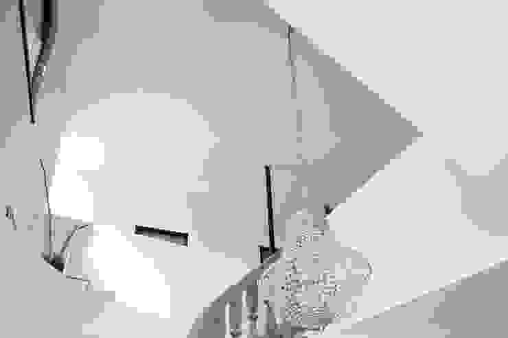 Treppenraum von Architekturbüro zwo P Modern