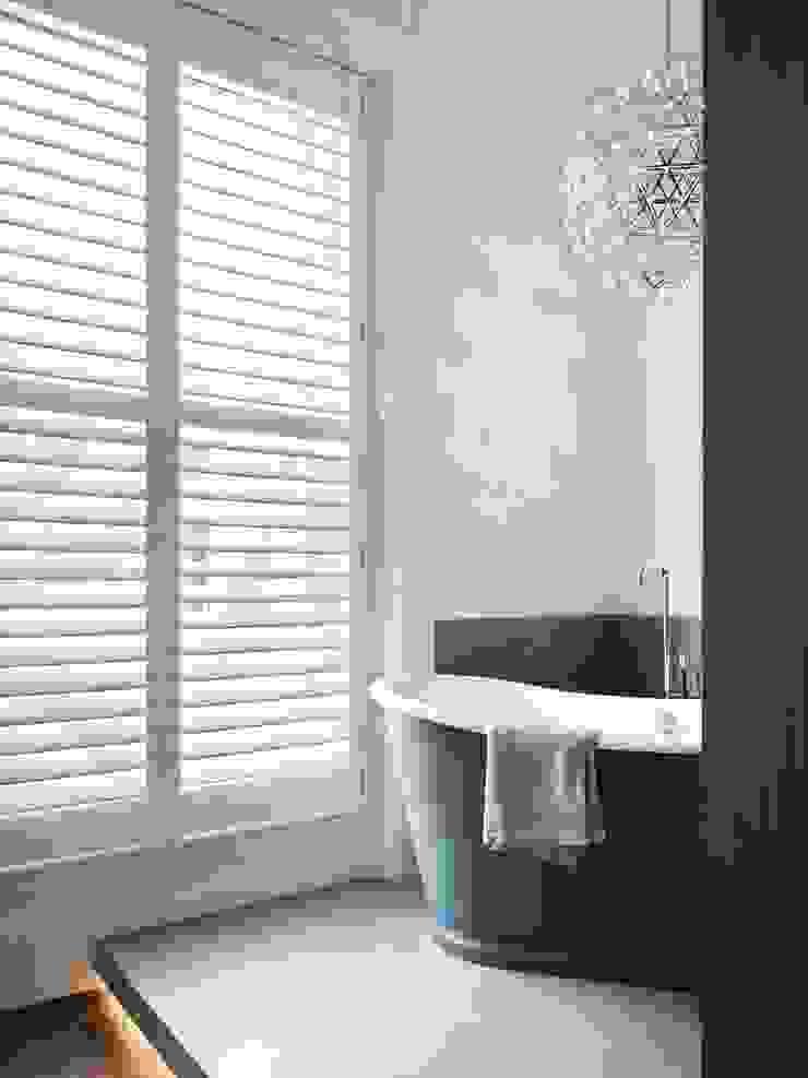 master bathroom Brosh Architects Baños de estilo moderno