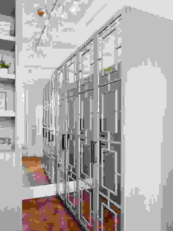 Dressing area Brosh Architects Baños de estilo moderno