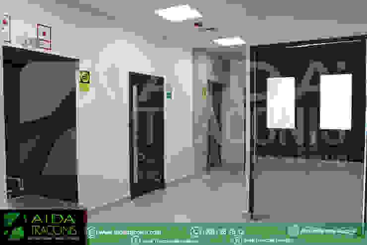 モダンな病院 の AIDA TRACONIS ARQUITECTOS EN MERIDA YUCATAN MEXICO モダン
