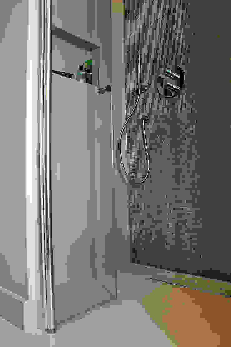 Naadloze Gietvloer in Badkamer Minimalistische badkamers van Motion Gietvloeren Minimalistisch Kunststof