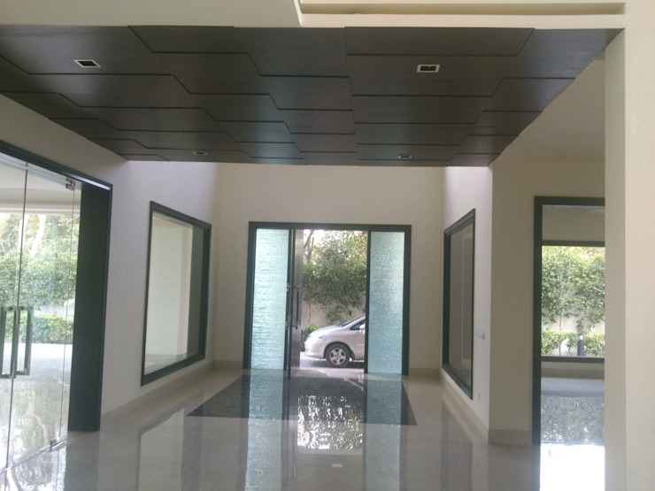 Entrance by ANBN DESIGNS Modern Solid Wood Multicolored