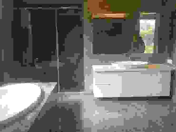 Bathroom Modern bathroom by ANBN DESIGNS Modern Marble