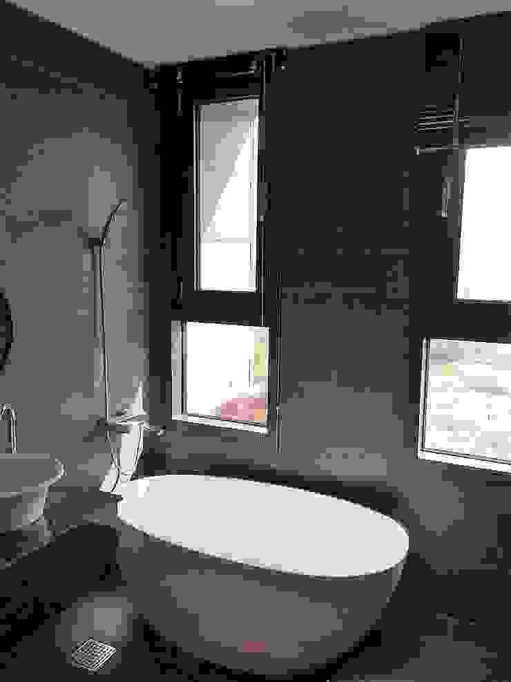 봉곡리주택 모던스타일 욕실 by 건축사 사무소 YEHA 모던