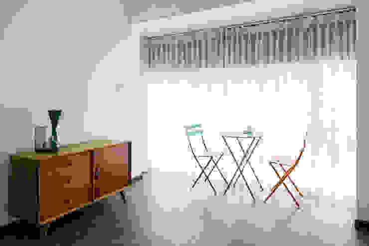 Đồ nội thất mang nét hiện đại, thanh lịch. Cửa sổ & cửa ra vào phong cách châu Á bởi Công ty TNHH TK XD Song Phát Châu Á Đồng / Đồng / Đồng thau