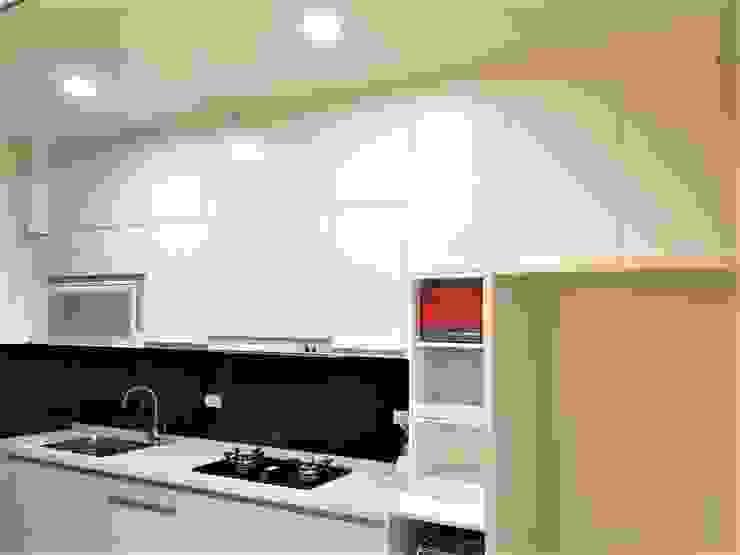 Kitchen by 寶佳室內裝修工務所