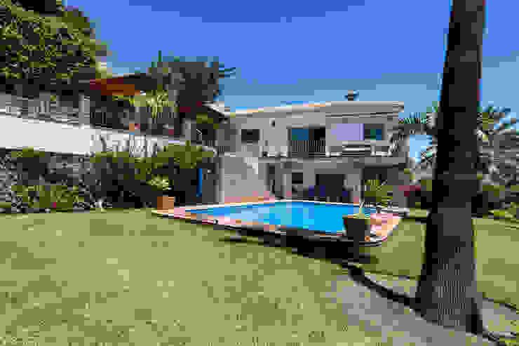 Jardín y piscina Casas de estilo mediterráneo de Home & Haus | Home Staging & Fotografía Mediterráneo