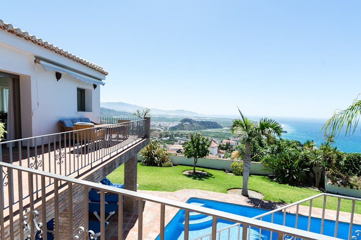 Terraza Casas de estilo mediterráneo de Home & Haus | Home Staging & Fotografía Mediterráneo