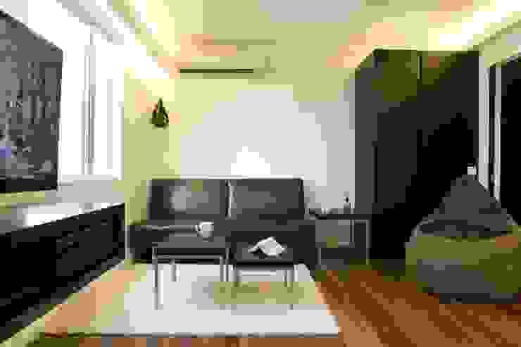 Healthy Garden Modern living room by Clifton Leung Design Workshop Modern