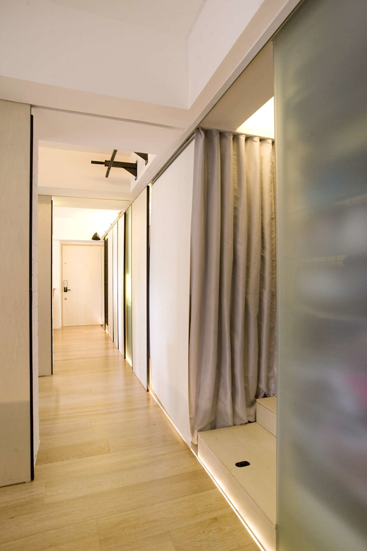 Vantage Park Modern corridor, hallway & stairs by Clifton Leung Design Workshop Modern