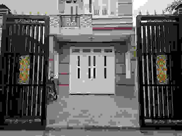 Nhà mái thái có thể phù hợp với các kiến trúc cảnh quan xung quanh. bởi Công ty TNHH TK XD Song Phát Châu Á Đồng / Đồng / Đồng thau